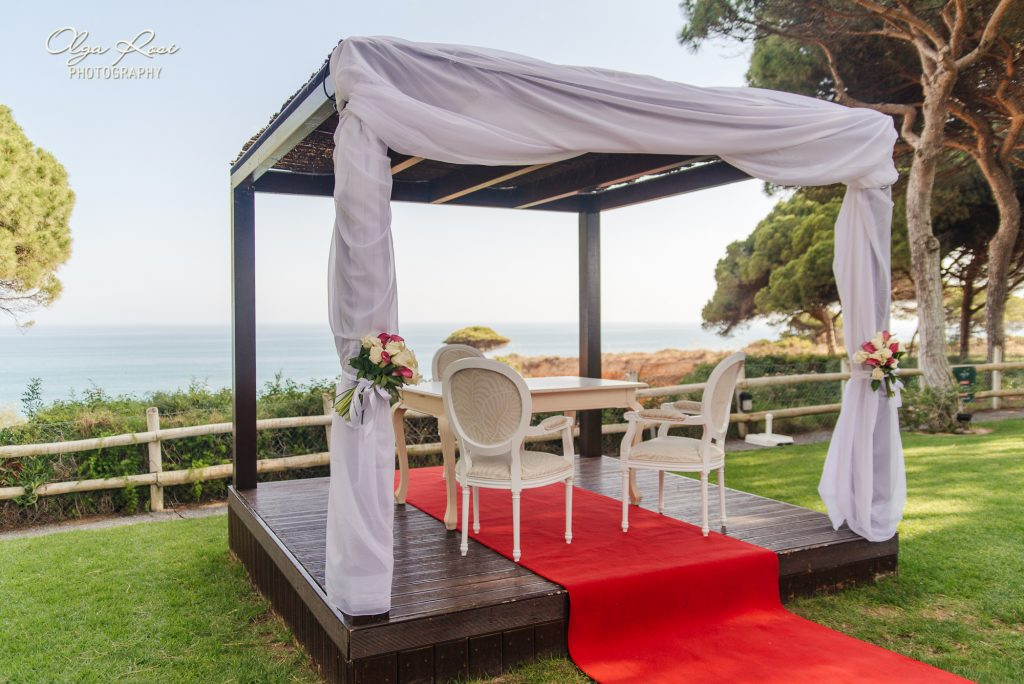 Wedding ceremony at Pine Cliffs Hotel, a Luxury Collection Resort, Algarve, Portugal. By Olga Rosi Photography